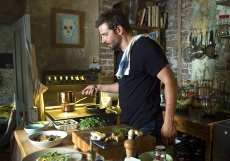 01-bradley-cooper-burnt-kitchen-in-movie
