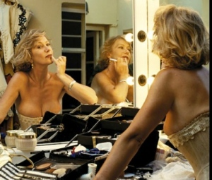 helen-mirren-looking-hot-with-breasts-showing-in-tight-corset