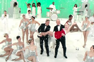 bill-murray-miley-cyrus-george-clooney-netflix-christmas-special
