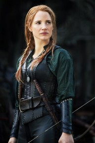 a-sneak-peek-at-the-gorgeous-costumes-in-the-huntsman-winters-war-1740031-1461183847_640x0c