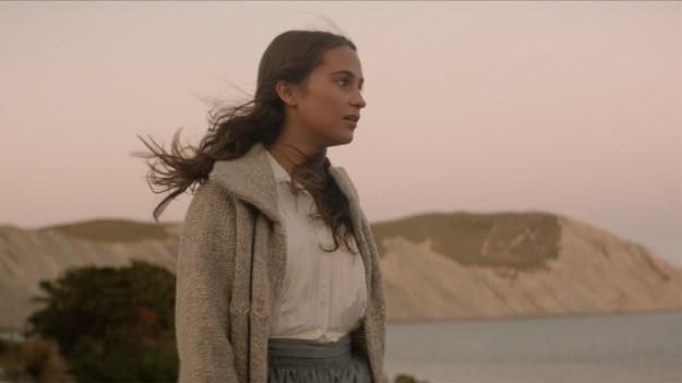 the-light-between-oceans-heroine-alicia-vikander-pictures