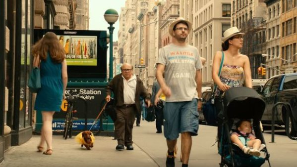 wiener-dog-film-trailer-still