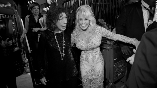 170130101914-02-sag-awards-backstage-black-and-white-super-169.jpg