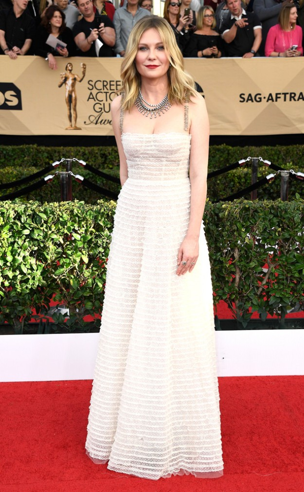 rs_634x1024-170129170349-634-2017-sag-awards-kristen-dunst