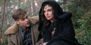 Chris-Pine-and-Gal-Gadot-in-Wonder-Woman-movie
