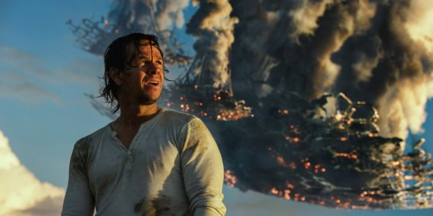 why-critics-say-transformers-the-last-knight-is-2017s-most-toxic-movie (1)